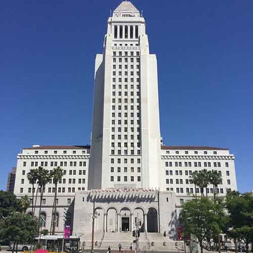 Photograph of LA city hall by Craig Baker - Own work, CC BY-SA 4.0