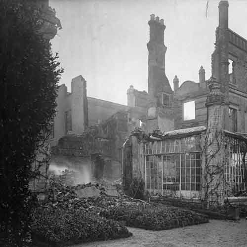 Photograph of English manor in ruins