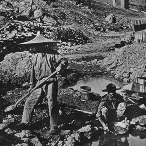 Early 20th century photograph of Chinese worker