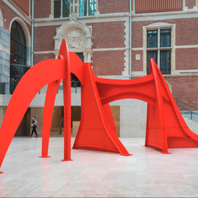 Alexander Calder, Jerusalem Stabile, 1976, sheet metal, bolts, and paint, 141 × 288 × 143 in., at the Rijksmuseum, Amsterdam, in 2014. Calder Foundation, New York; gift of the Philip and Muriel Berman Foundation to the Calder Foundation, 2005. Copyright © 2015 Calder Foundation, New York / Artists Rights Society (ARS), New York.