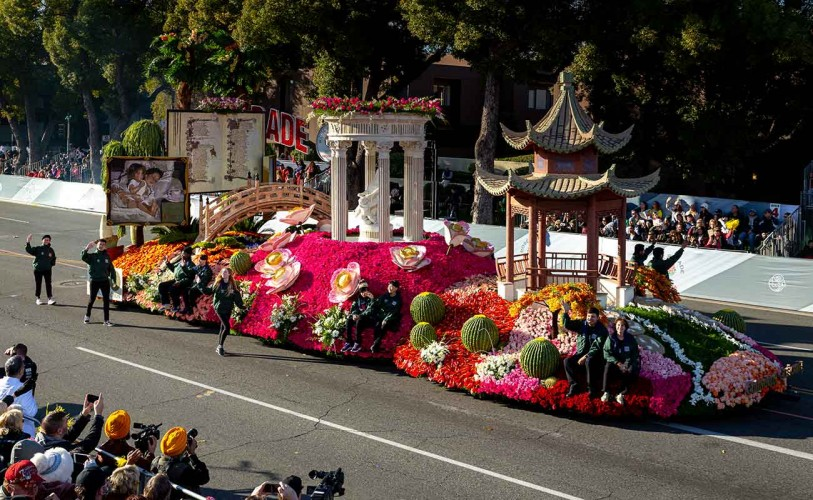 "The Huntington's 2020 Rose Parade® Float on the theme of ""Cultivating Curiosity,"" winner of the Golden State Award"