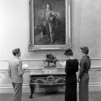 Early visitors to the Huntington Art Gallery, ca. 1935. The Huntington Library, Art Museum, and Botanical Gardens.