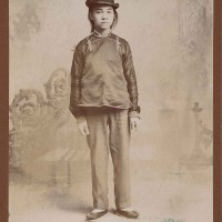 Unknown photographer, Studio portrait of a Chinese man, Old Chinatown, Los Angeles, ca. 1900. The Huntington Library, Art Museum, and Botanical Gardens.