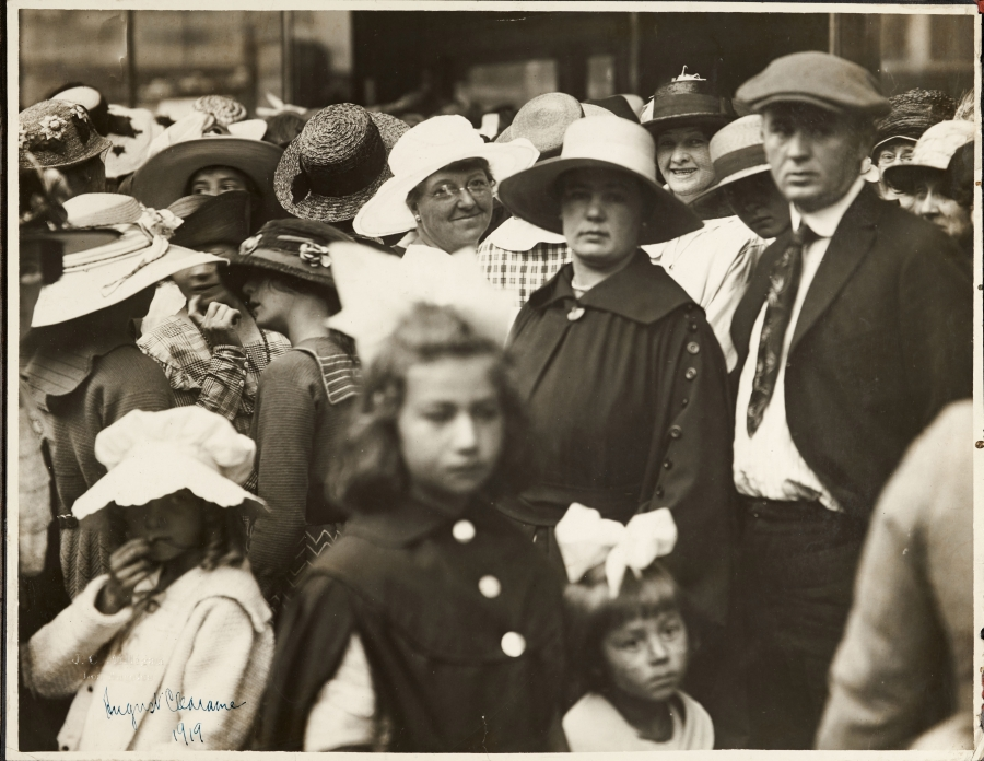 J. C. Milligan, Crowds at Bullock's Department Store, Broadway, Los Angeles, August 1919. Gelatin silver print, 10 3/4 x 13 3/4 in. The Huntington Library, Art Collections, and Botanical Gardens.