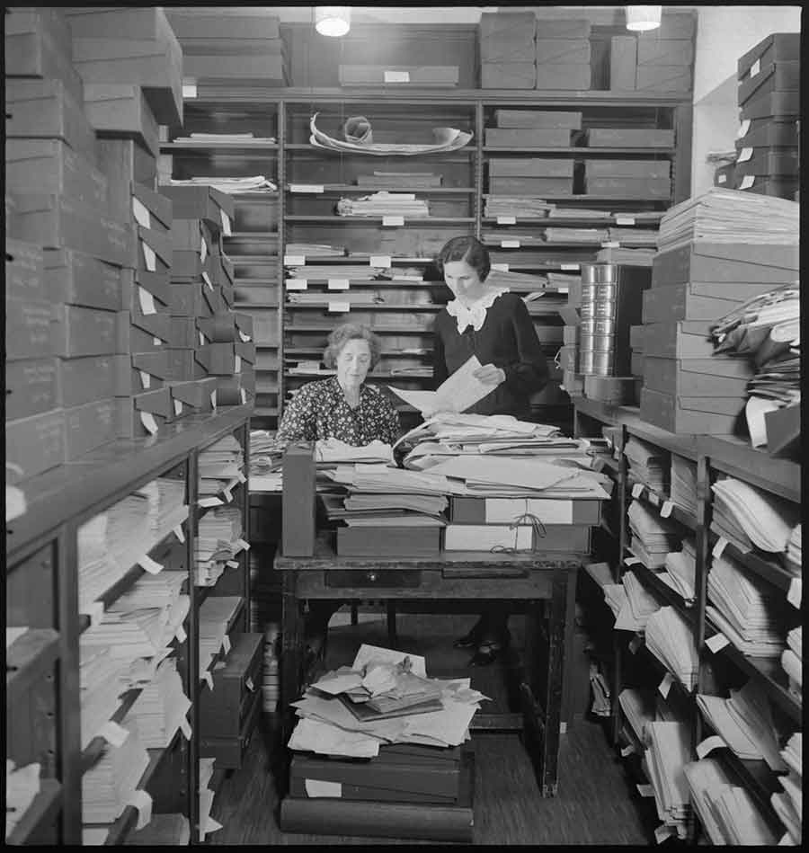 Cataloging manuscripts in the Huntington Library, February 1938.