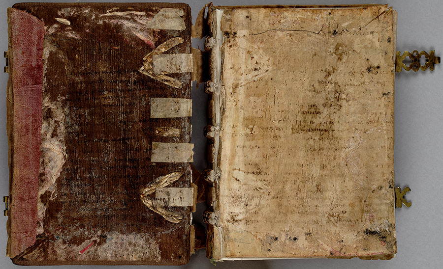 Binding, very worn pink silk velvet over oak boards with two gilt fore edge clasps. Huntington Manuscript 1200. The Huntington Library, Art Collections, and Botanical Gardens.