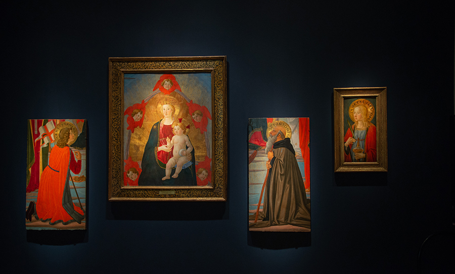 Installation view of Cosimo Rosselli altarpiece